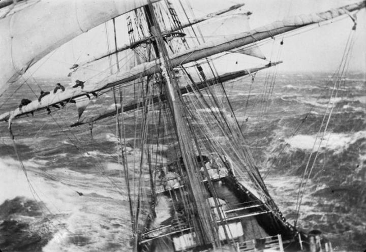 foto: Storm bij Kaap Hoorn, State Library of Victoria, Allan C.